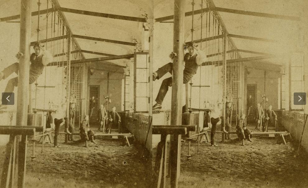 Een heel oude stereofoto van de bouw van 'de hospice' van dokter Guislain.