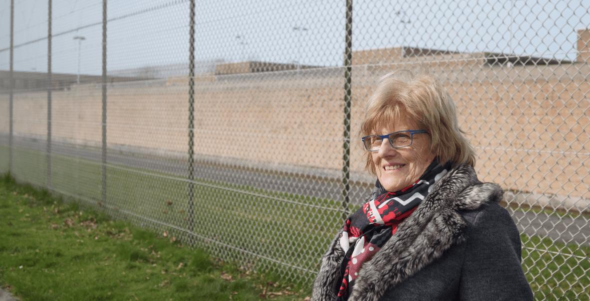 Nancy De Maesschalck is vrijwillig moreel consulent in de gevangenis van Brugge. Foto: Miro Knudde