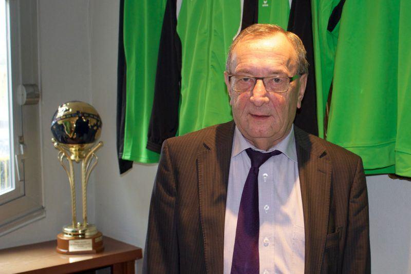 """""""Filips zal AS Monaco zeker niet geadviseerd hebben Cercle over te nemen om ons een plezier te doen"""", zegt Schotte over adviseur van AS Monaco en tevens oud-algemeen directeur van Cercle Filips Dhondt (Foto: Robin Dekempe)"""