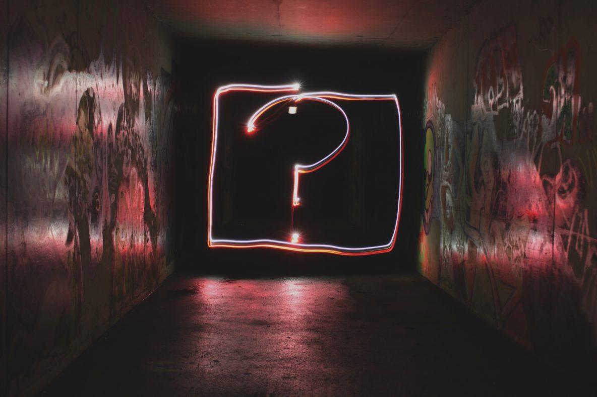 Vraagteken in neon