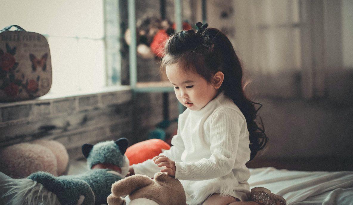 Foto: Spelende kleuter - Kha Ruxury / CC BY