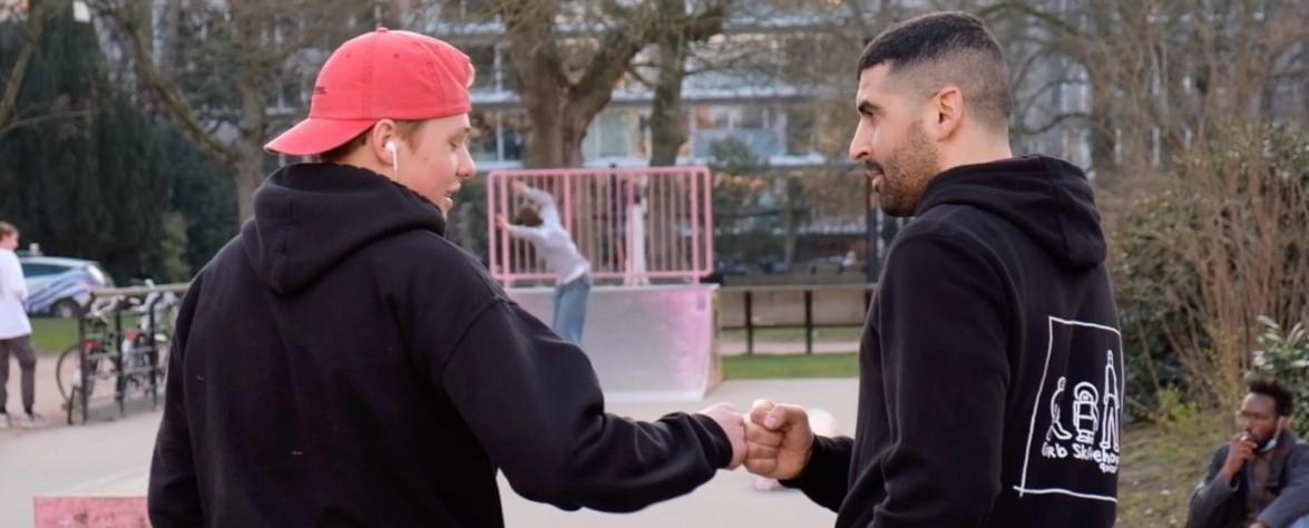 Mohamed op het skatepark (beeld: Jules Stallaerts)